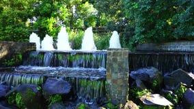 Wasser-Brunnen-und Wasser-Fälle stock footage