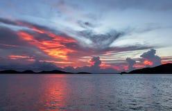 Wasser, das den Himmel reflektiert Lizenzfreies Stockbild