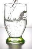 Wasser in einem Glas Stockfotos
