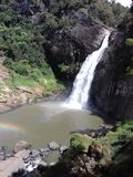 Wasser fällt - dunhida ella lizenzfreie stockfotos