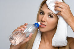 Wasser-Flaschen-Frau Stockfotos