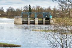 Wasser, Fluss, Zugang, Verdammung, hydraulisch, Markstein, Technik, Industrie, Bau stockfotos