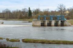 Wasser, Fluss, Zugang, Verdammung, hydraulisch, Markstein, Technik, Industrie, Bau lizenzfreie stockfotos