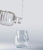 Wasser gegen die Schwerkraft Stockfotos