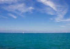 Wasser, Himmel und Wolken Stockbilder