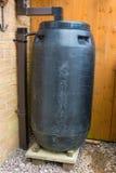 Wasser-Kolben für das Sammeln des Regenwassers lizenzfreies stockfoto