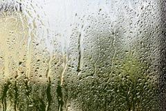 Wasser lässt Hintergrund fallen Stockfoto