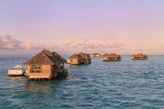 Wasser-Landhäuser bei Gili Lankanfushi Stockbild