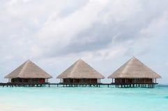 Wasser-Landhäuser im Ozean Stockbild