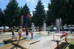 Wasser-Park ist offene Sommersaison Lizenzfreie Stockbilder