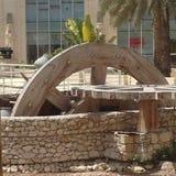 Wasser-Rad-Monument an den Hauptgerichten von Wafi-Mitte in Dubai, Vereinigte Arabische Emirate Lizenzfreies Stockfoto