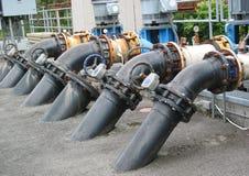 Wasser-Rohre am Fisch-Brutplatz Lizenzfreies Stockbild
