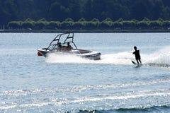 Wasser-Skifahrer Lizenzfreie Stockfotos