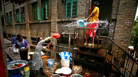 Wasser-Spritzen des Festivals Lizenzfreie Stockbilder