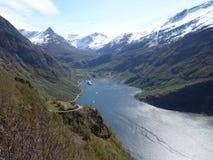 Wasser trifft Land Lizenzfreies Stockfoto