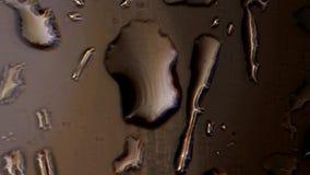 Wasser-Tropfen auf Glas stock video