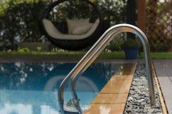 Wasser und Regenschirme Stockfotografie