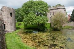 Wasser und Schloss Stockfotografie