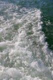 Wasser von der Rückseite des Bootes Lizenzfreie Stockfotos
