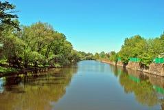 Wasser von Fluss Lizenzfreie Stockfotos