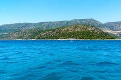 Wasser von Mittelmeer vor der türkischen Küste Stockfotos