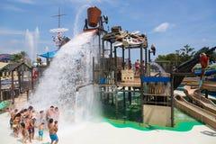 Wasseranziehungskraft Laberint Pitara an Illa Fantasia-waterpark stockbild