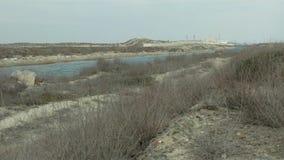 Wasseraufnahmenkanal vom Meer stock video