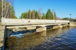 Wasserbauarbeiten auf dem Fluss Stockbild
