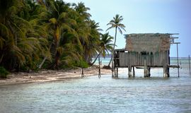 Wasserbretterbude Amber Cay in Belize Stockbild