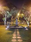 Wasserbrunnen in einem Park stockfoto