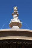 Wasserbrunnen-Gartenmerkmal Stockfotos