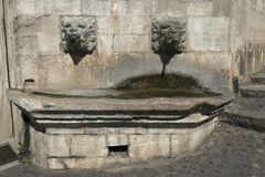 Wasserbrunnen in Girona Lizenzfreie Stockfotos