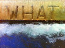 Wasserbrunnen mit dem Wort WELCHES eingeschriebene Stockfotografie