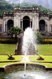 Wasserbrunnen am Palast Lizenzfreies Stockfoto