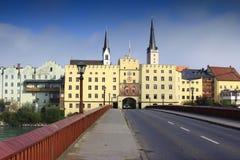 Wasserburg morgens Gasthaus lizenzfreies stockbild