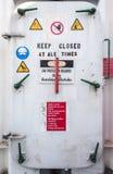 Wasserdichte Tür der Ölplattform Stockfoto