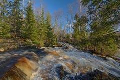 Wasserfälle auf dem Tohmajoki-Fluss Stockbild