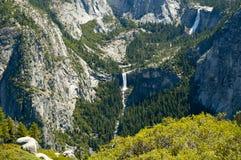 Wasserfälle bei Yosemite NP Stockfotos