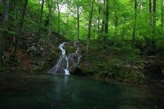 Wasserfälle in den Karpatenbergen Lizenzfreie Stockbilder