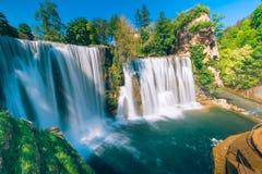 Wasserfälle in der Stadt Jajce, Bosnien und Herzegowina Lizenzfreies Stockbild