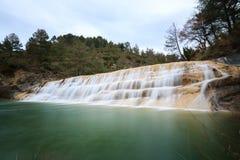 Wasserfälle in einer Schlucht Paternoy de Esporret Stockfoto