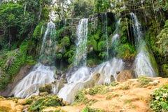 Wasserfälle EL Nicho, Kuba lizenzfreie stockfotografie