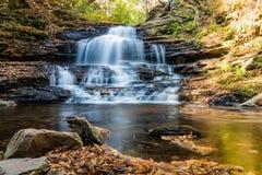 Wasserfälle im Fall in Pocono-Berge von Pennsylvania, USA Stockfoto
