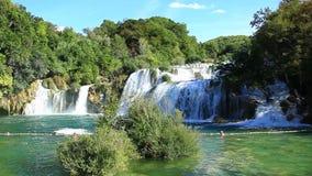 Wasserfälle, Krka NP, Dalmatien, Kroatien, Europa stock footage