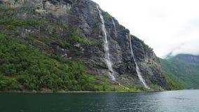 Wasserfälle sieben Schwestern, Geiranger-Fjord, Norwegen stock footage