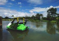 Wasserfahrrad im Wasserpark Lizenzfreie Stockbilder