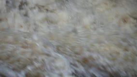 Wasserfall über Abgrund stock video footage