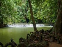 Wasserfall an als Nationalpark Krabi Thailand Bok Khorani Lizenzfreie Stockbilder