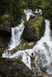 Wasserfall in Altai-Bergen stockfotografie