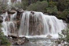 Wasserfall - Archivbild Stockfoto